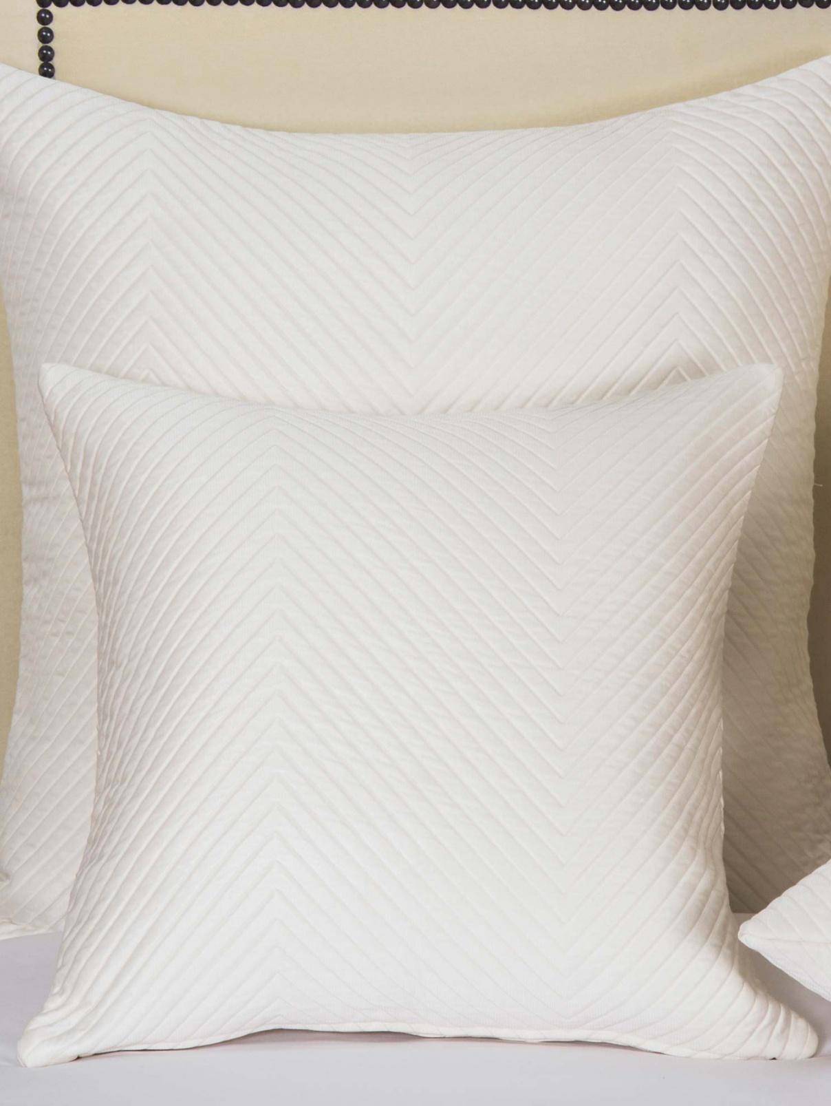 Наволочка декоративная из хлопка и шелка Frette  –  Общий вид