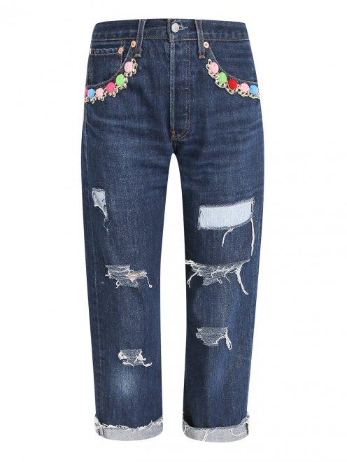 Укороченные джинсы с декоративной отделкой - Общий вид