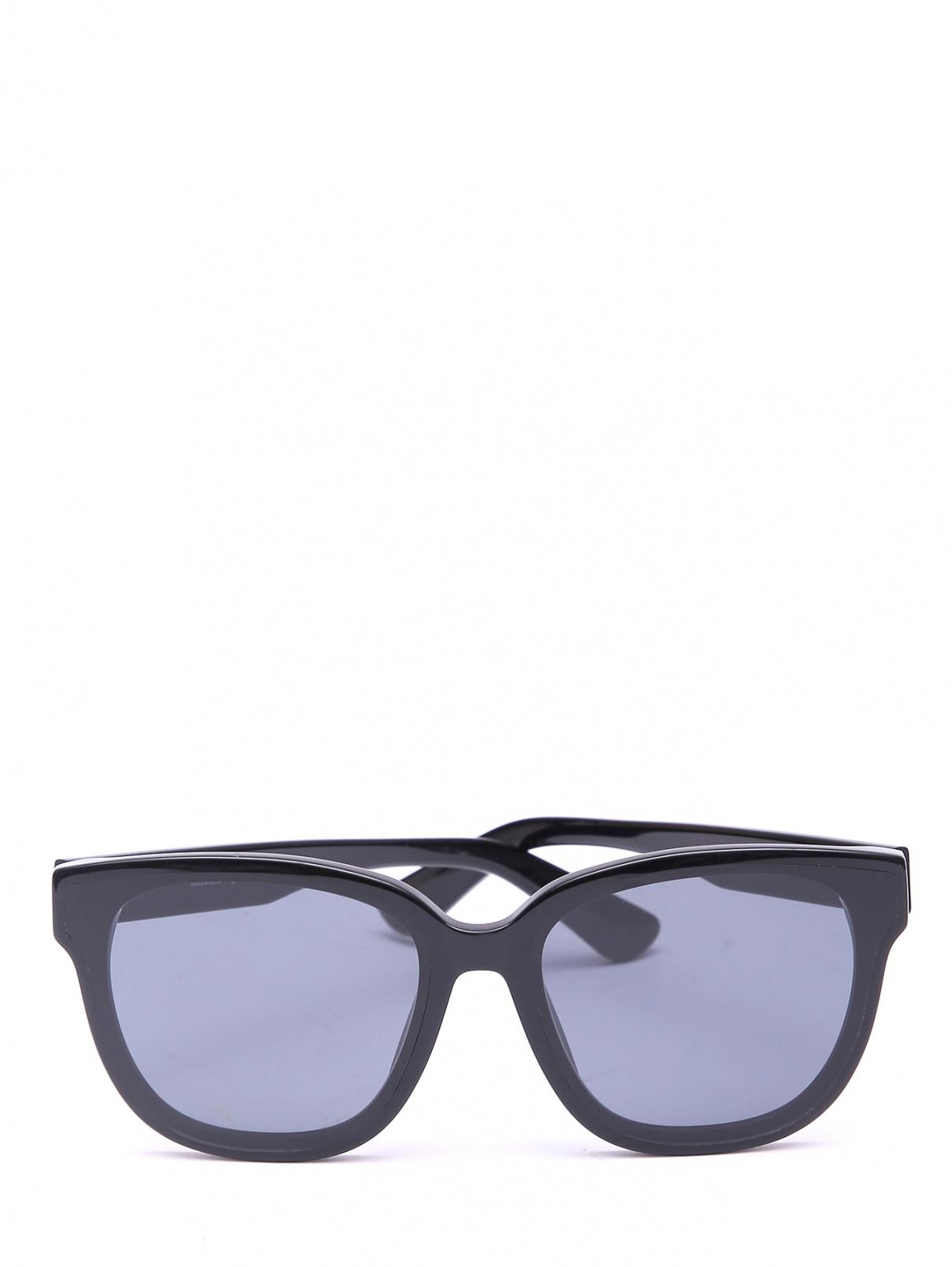 Солнцезащитные очки в оправе из пластика Moschino  –  Общий вид