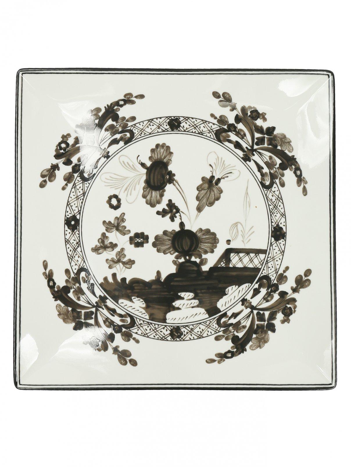 Тарелка обеденная  квадратная из фарфора с узором и окантовкой Richard Ginori 1735  –  Общий вид
